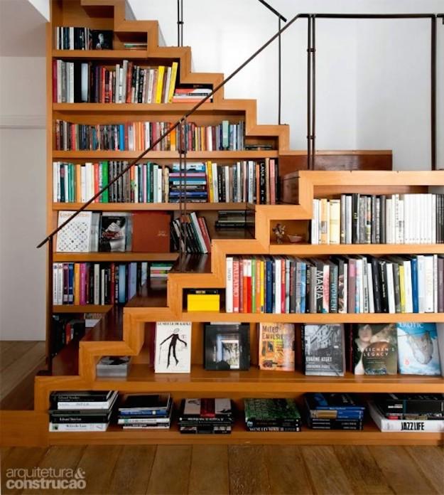 Librer as para aprovechar espacios peque os for Bibliotecas debajo de escaleras