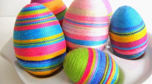 huevos de pascua forrados